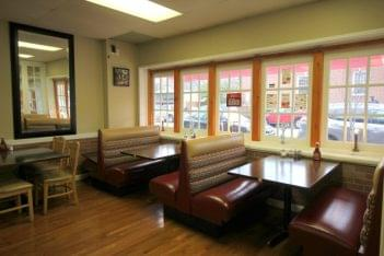 Bella Pizza & Grill Haddonfield NJ seating