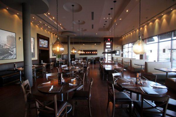 Pats Select Pizza Smyrna DE seating