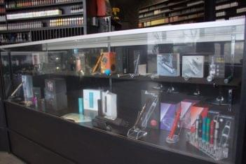 VapeL1FE Edison NJ vape store display