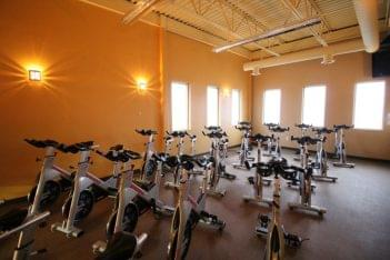 Club Metro USA of Manalapan NJ spinning room