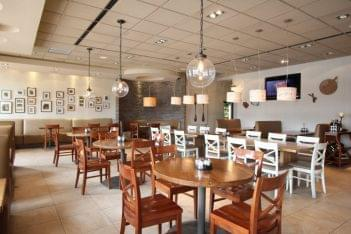 Pats Select Pizza Grill Elkton MD seating