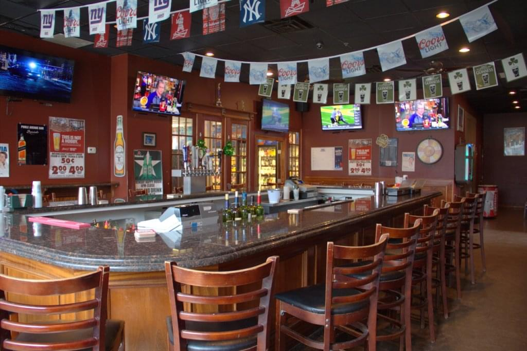 Poole Ave Bar & Liquors – Hazlet, NJ Bar – See-Inside