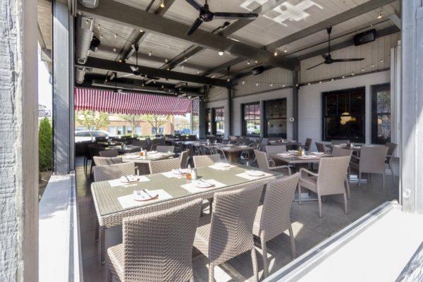 treno-pizza-patio-outside-westmont-nj