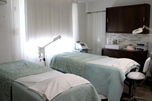 Belle du Jour San Juan Puerto Rico beauty salon beds