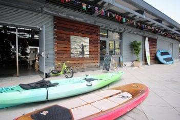 Manhattan Kayak Company Canoe Tour New York, NY pier 84