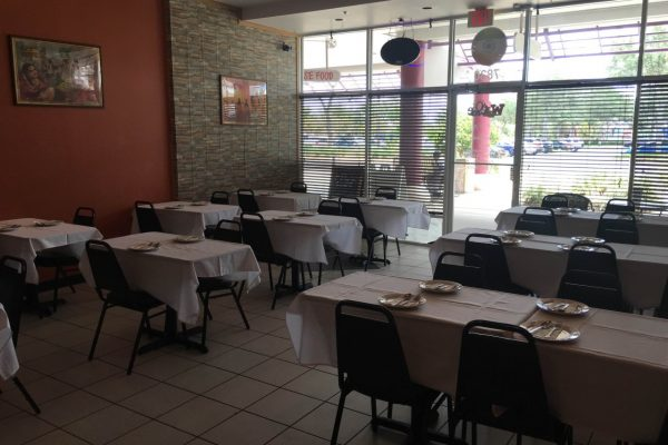 Apna Taste of Punjab Indian Restaurant Kissimmee, FL tables