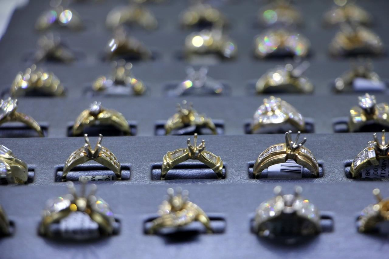 Town & Country Jewelers, Eatontown NJ – See-Inside Jewelry Store