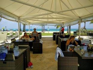 Pool Bar Courtyard Marriott Carolina, Puerto Rico tent