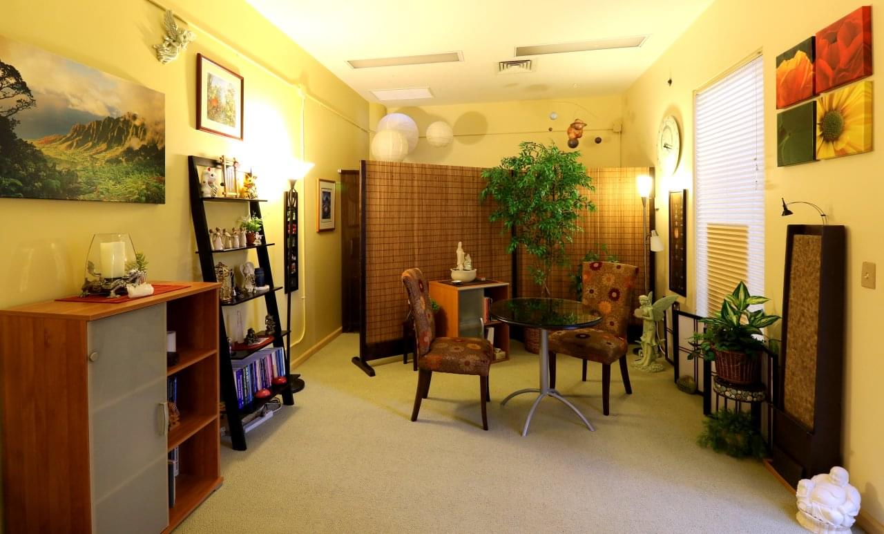 Alice Inoue Life Guidance, LLC Honolulu, HI office furniture
