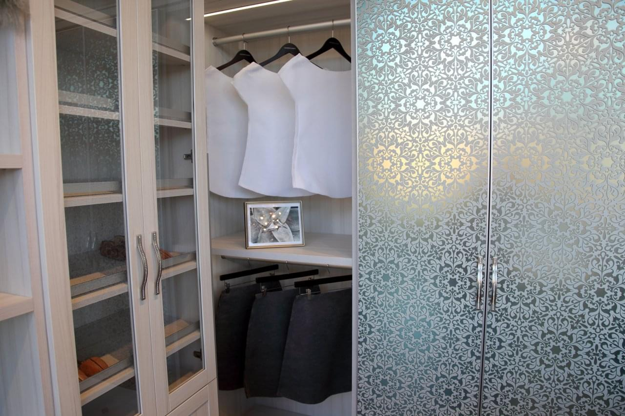 California closets studio city ca see inside interior for Studio closet design