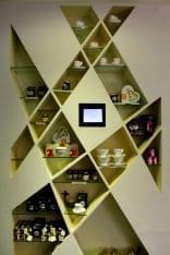 Rendez Vous Lounge Restaurant Sint Maarten wall display shelf