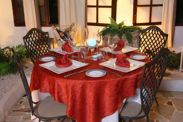 La Villa Restaurant Grand Case Saint Martin dining table
