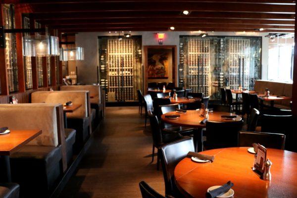 Del Frisco's Grille Houston, TX Steakhouse Restaurant dining area
