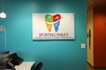 Sporting Smiles Pediatric Dentistry & Family Orthodontics Gainesville, VA logo