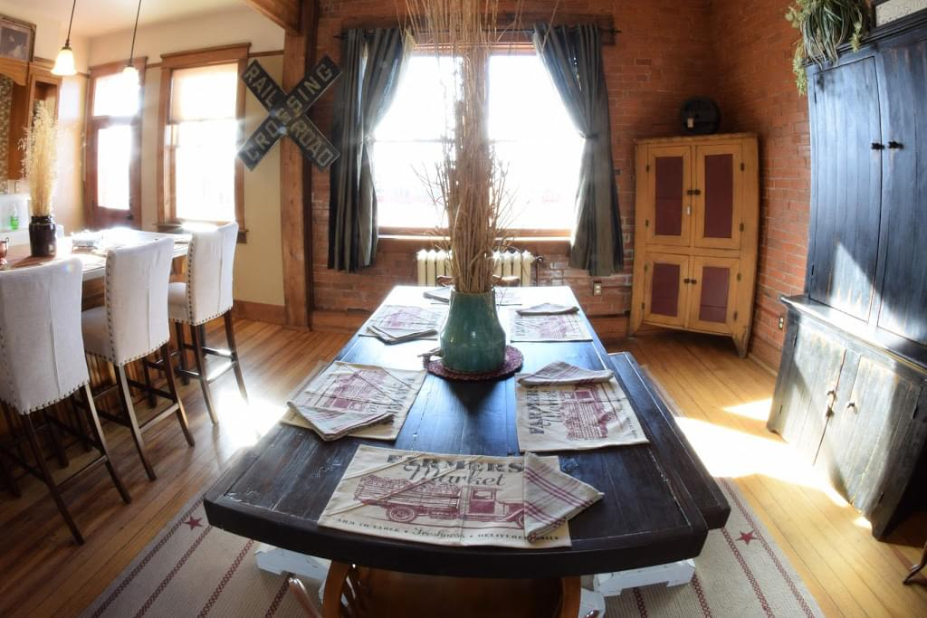 The Mercantile Loft Laramie, WY Bed & Breakfast dining table