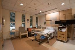 Valley Medical Center Renton, WA Birth Center patient room