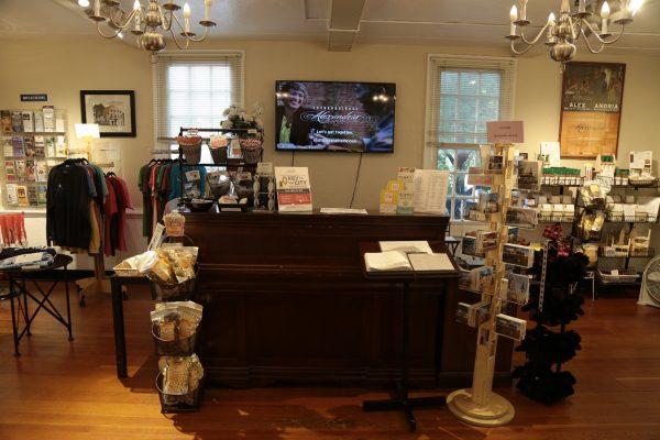 Alexandria Visitor Center Alexandria, VA Tourist Information Center help desk