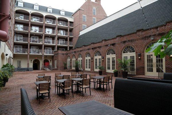 Jackson 20 Alexandria, VA American Restaurant plaza