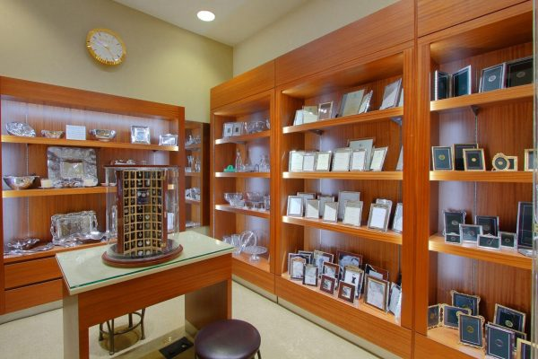 Kings Jewelry Alexandria, VA Jewelry Store Gift area