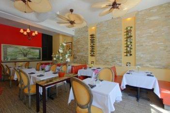 Magnolia's on King Alexandria, VA Southern Restaurant Ground Floor Dining Room