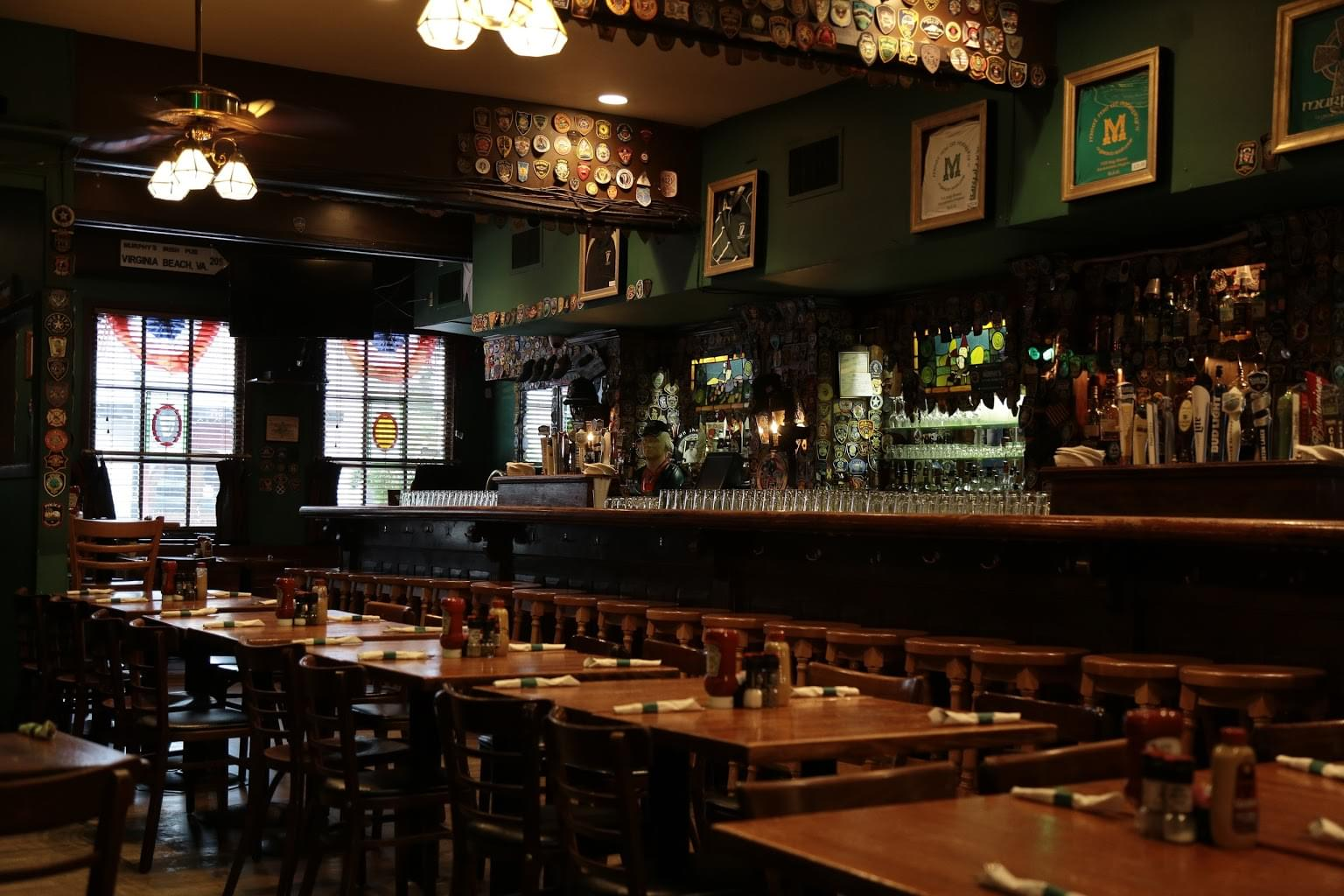 Murphy's Grand Irish Pub Alexandria, VA Restaurant bar counter