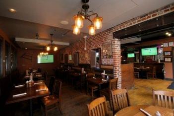 Myron Mixon's Pitmaster Barbeque Restaurant Alexandria, VA seating