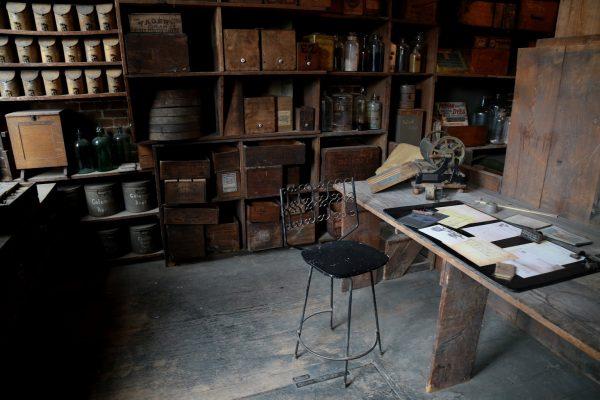 Stabler-Leadbeater Apothecary Museum Alexandria, VA desk