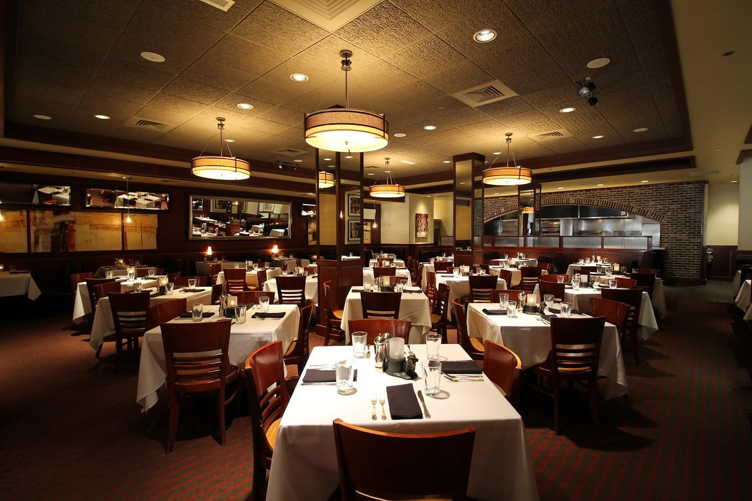 Sullivan's Steakhouse Chicago, IL dining area