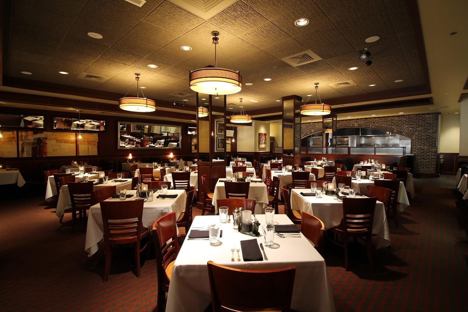 Sullivan's Steakhouse Chicago, IL dining area