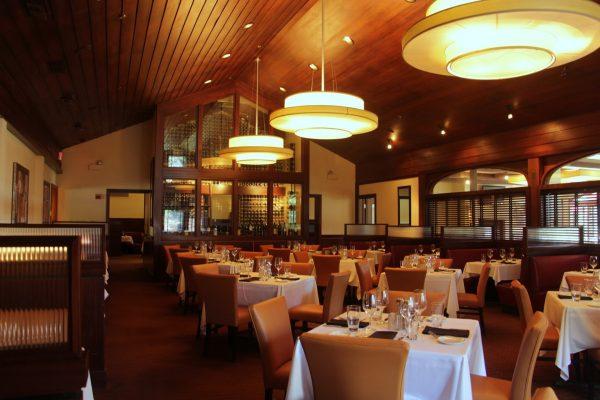 Sullivan's Steakhouse Lincolnshire, IL dining area