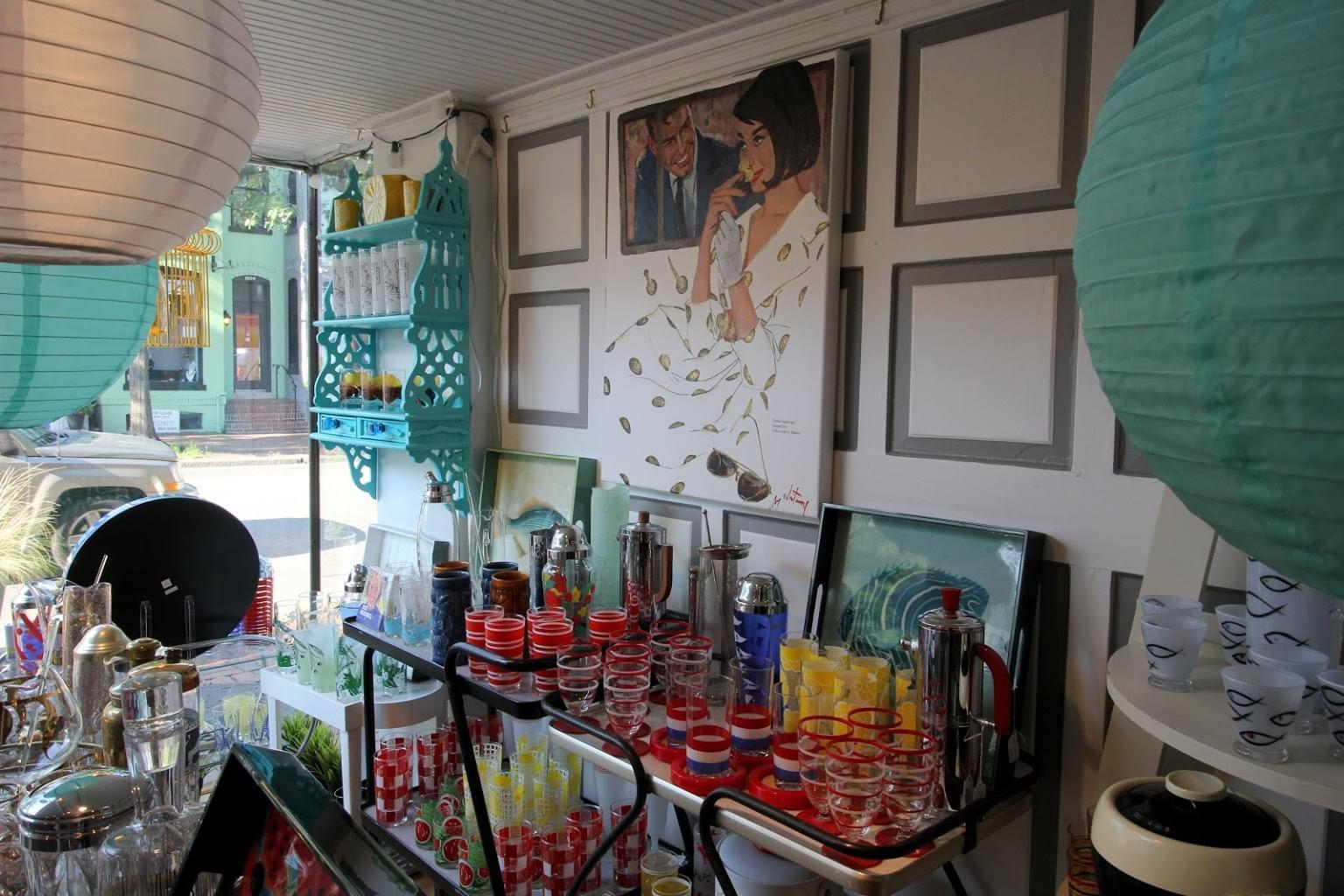 The Hour – Alexandria, VA – See-Inside Antique Store