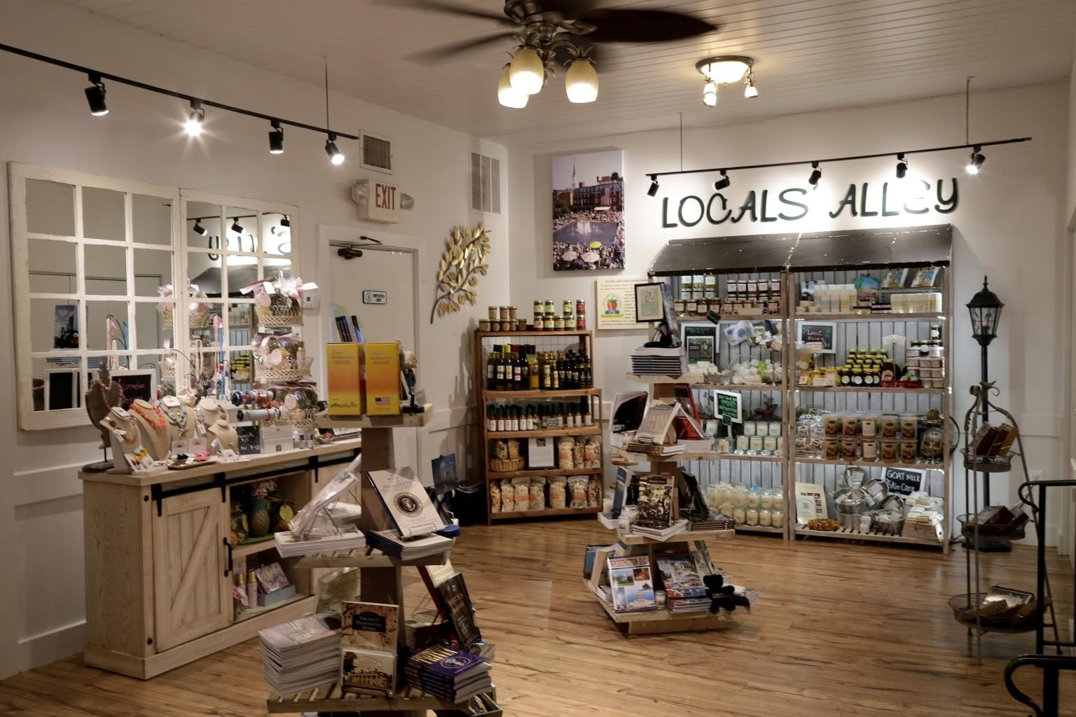 The Old Town Shop – Alexandria, VA – See-Inside Gift Shop