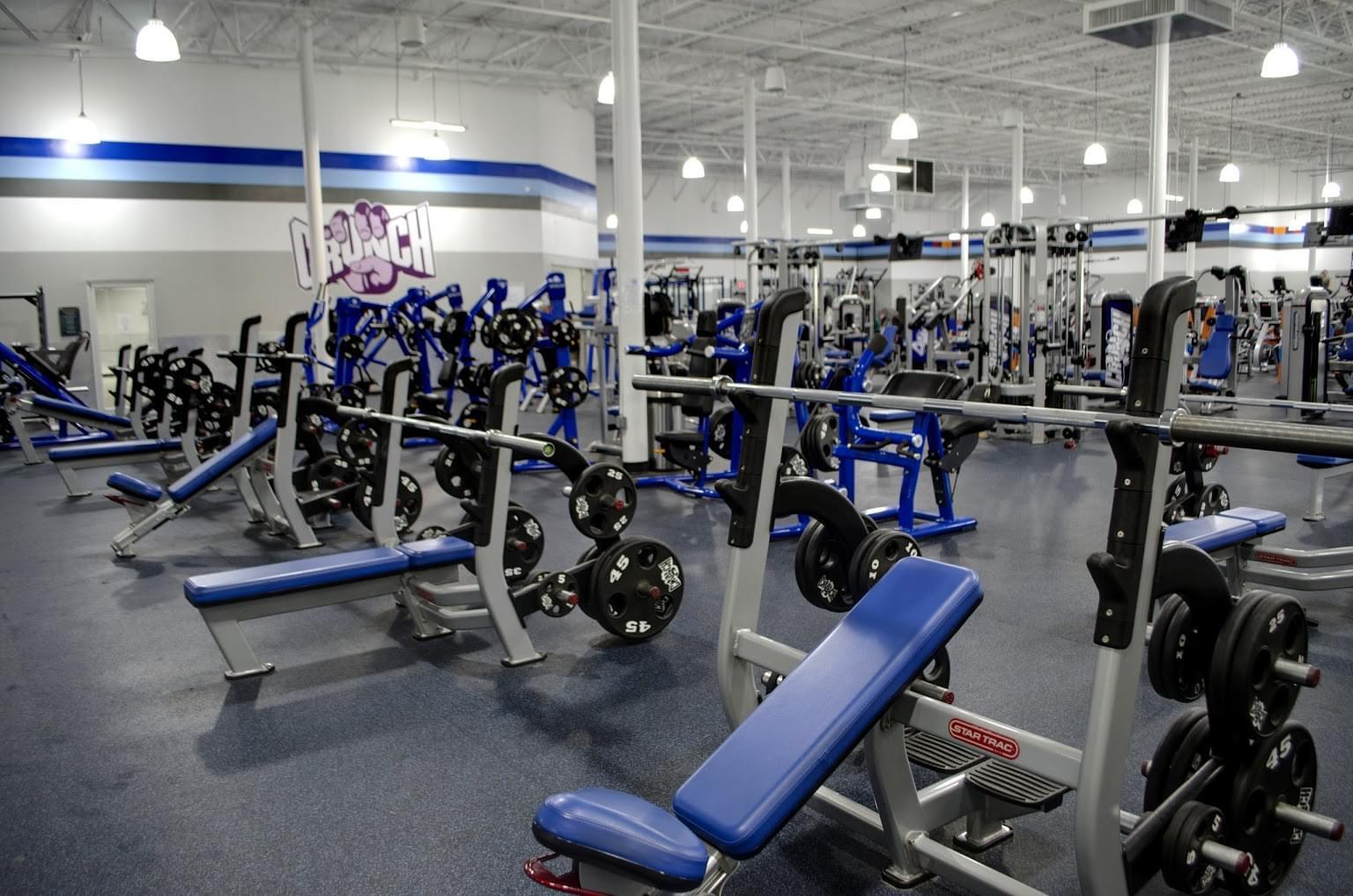Crunch-Fitness-Gym-in-North-Charleston-SC-bench-press-shoulder-press.jpg