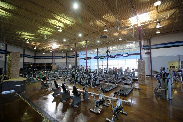 Crunch Fitness Gym in Richmond, VA treadmill elliptical