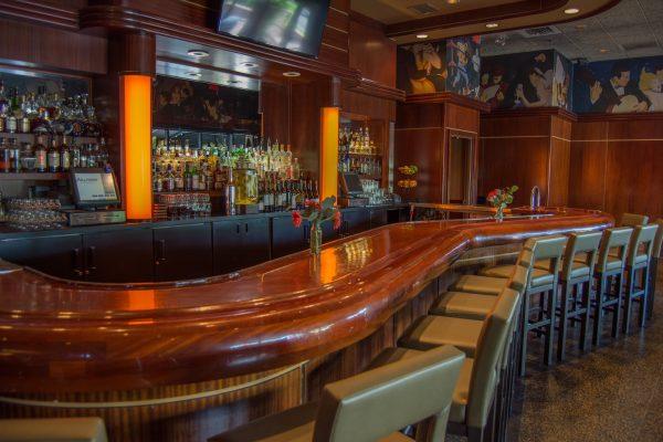 Sullivan's Steakhouse of Tucson, AZ bar counter