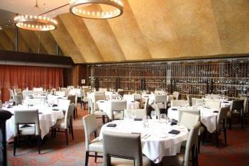 Del Frisco's Double Eagle Chicago upper dining hall