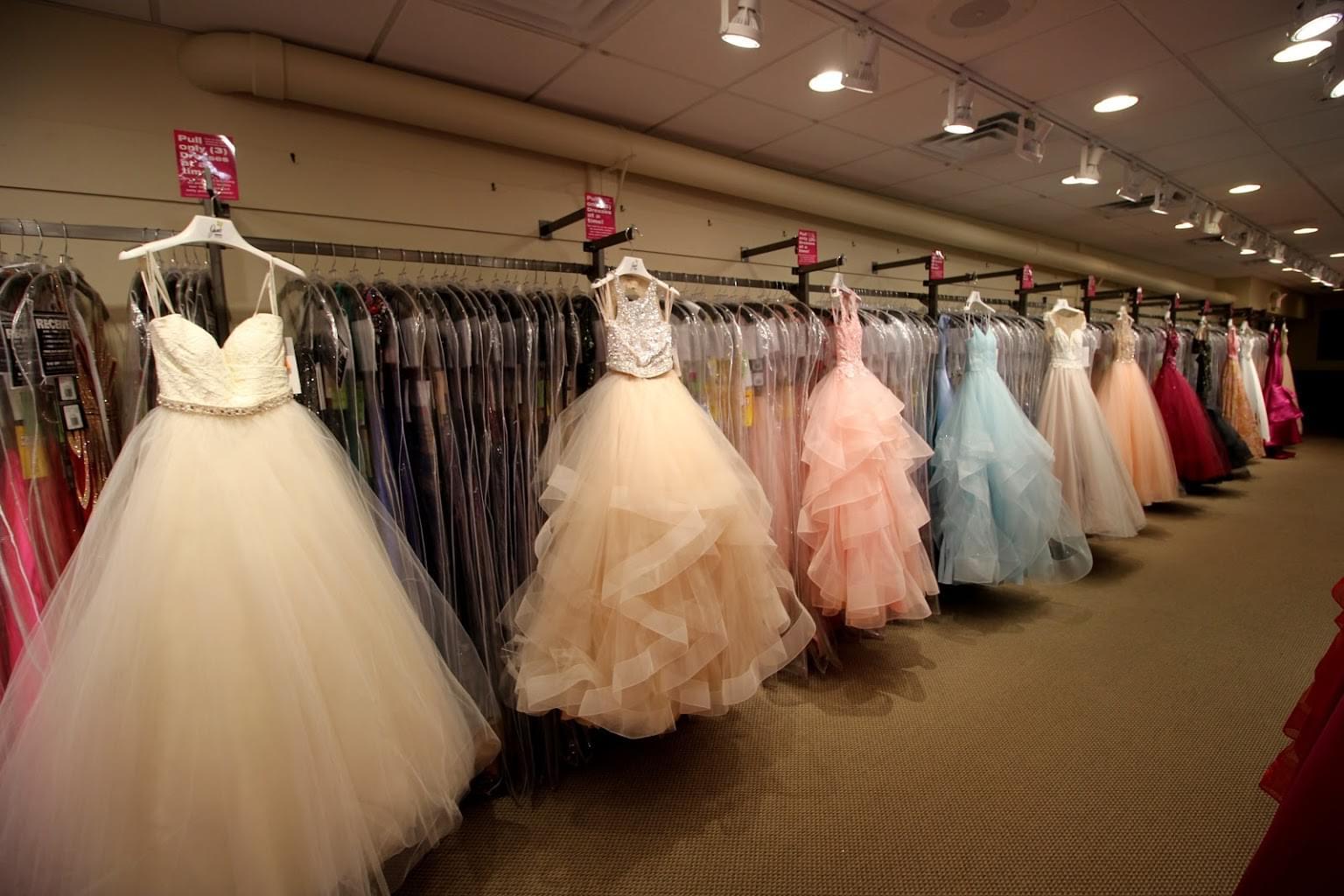 Jan's Boutique dress store in Cherry Hill, NJ dresses