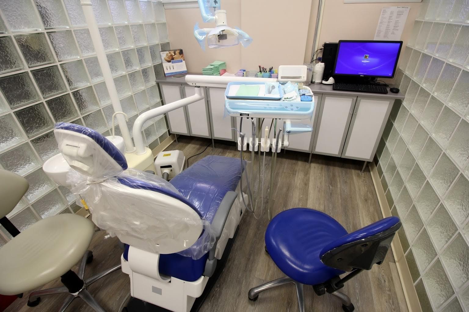 Signature Smiles Dental Office in Bristol, PA dentist chair exam room