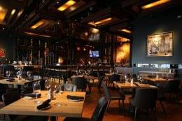 Del Frisco's Grille steak house in Philadelphia, PA dining room
