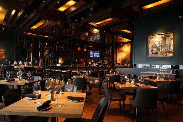 Del Frisco's Grille steak house in Philadelphia, PA dining room