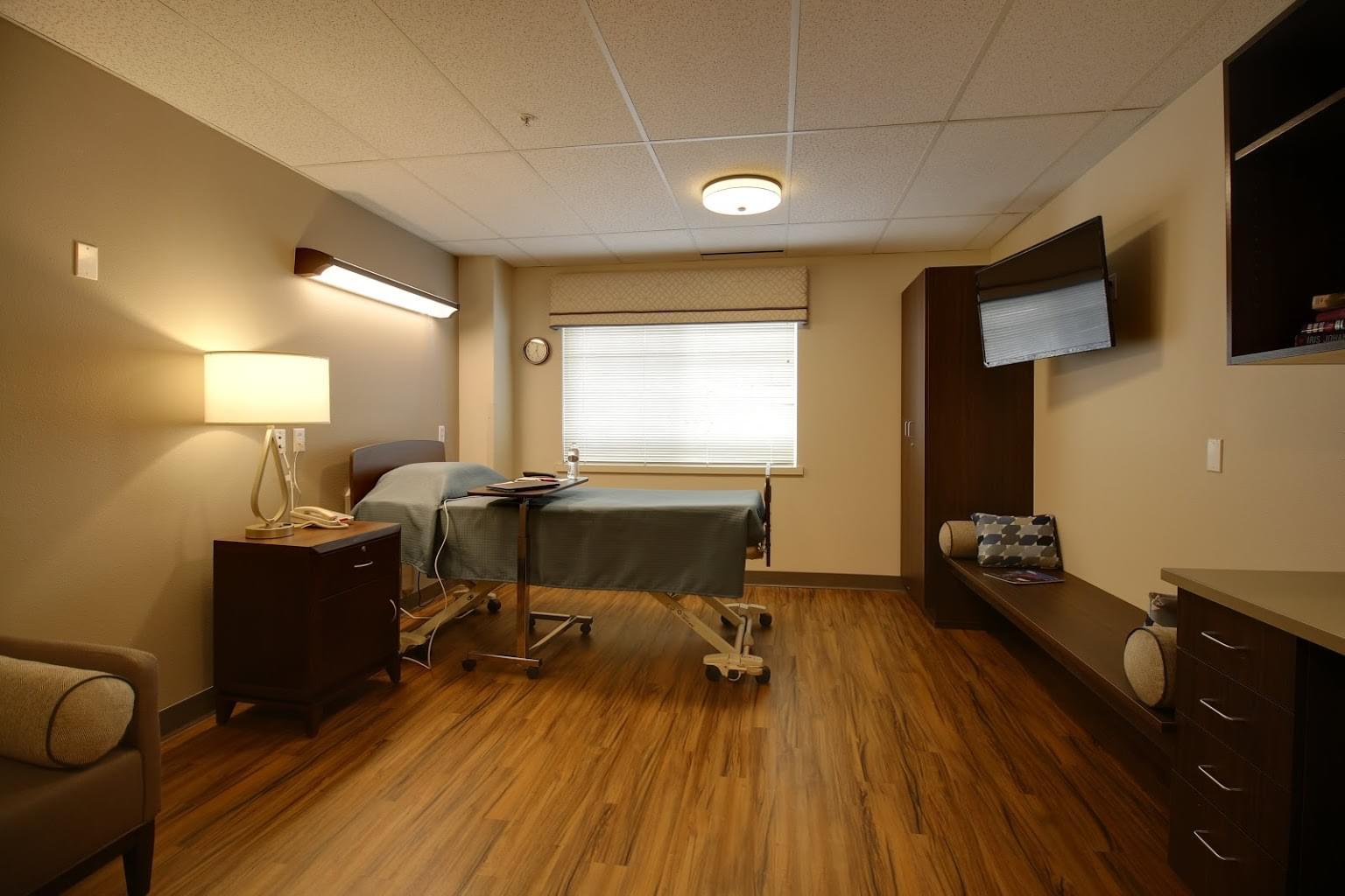 Mission Healthcare at Bellevue, WA rehabilitation center bedroom