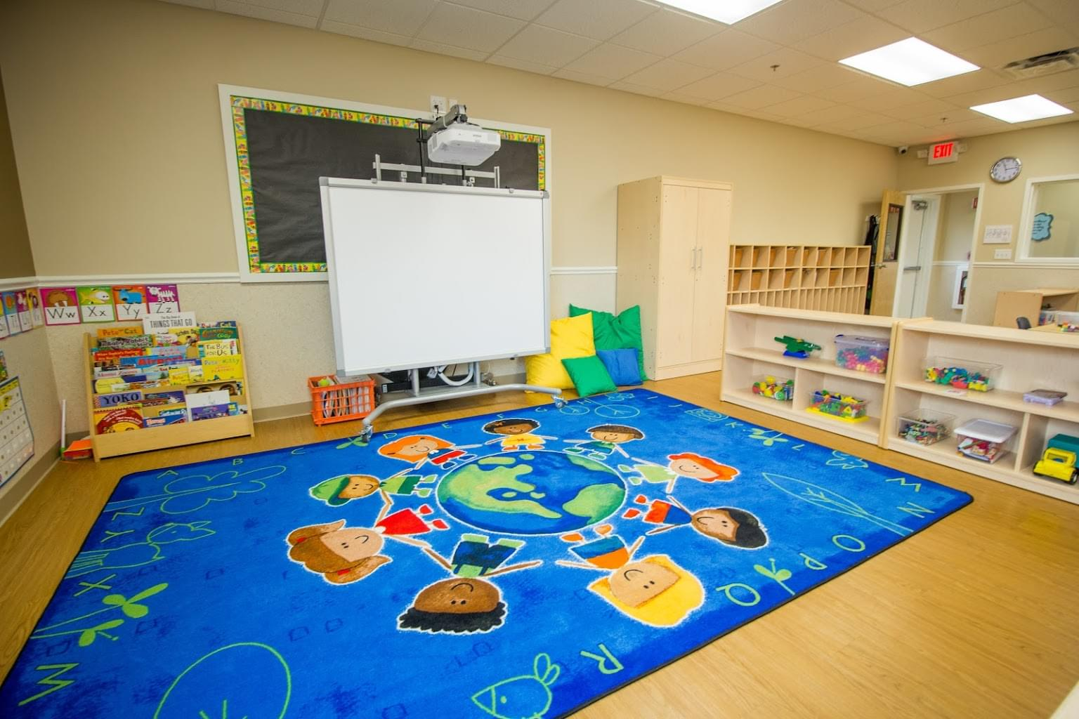 Lightbridge Academy pre-school in Bethlehem, PA rug in classroom projector