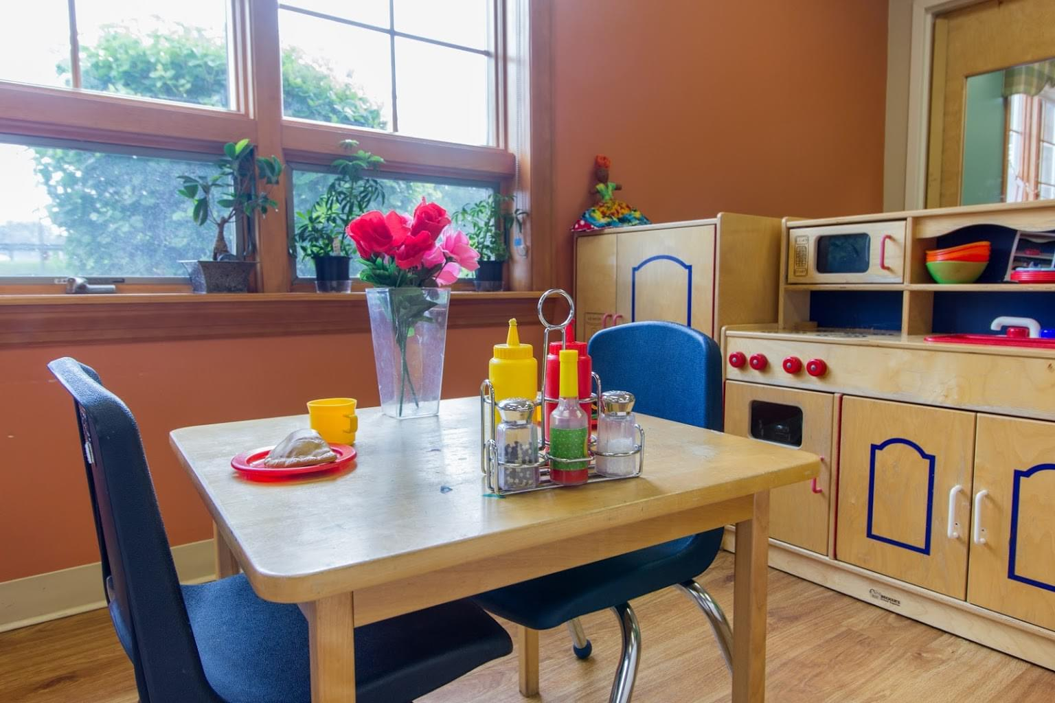 dining set at Lightbridge Academy pre-school and daycare in Manasquan, NJ
