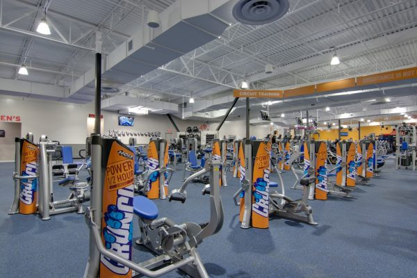 excercise machines at Crunch Fitness Midlothian Gym and Health Club in Richmond, VA