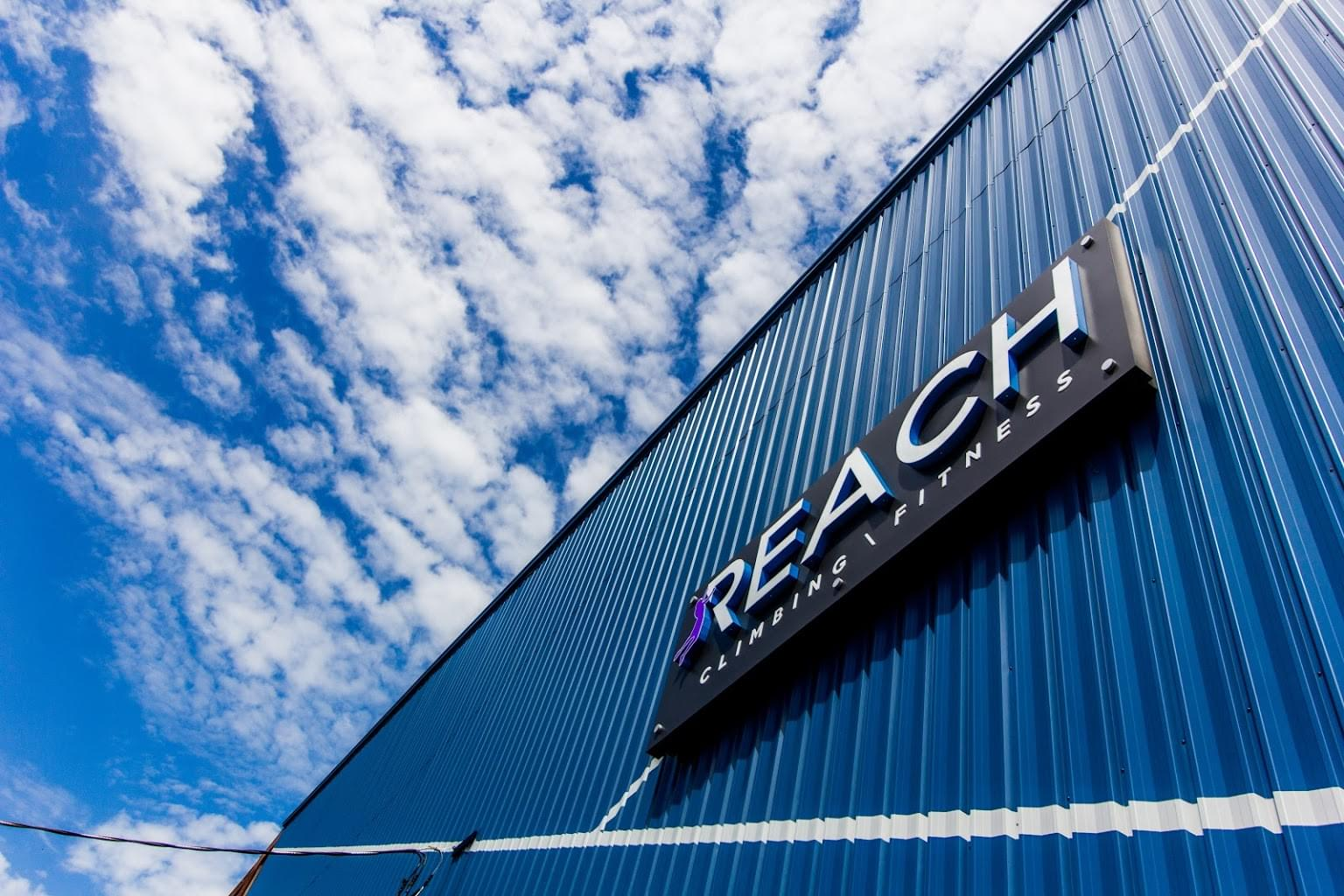sign Reach Climbing + Fitness rock-climbing gym in Bridgeport, PA