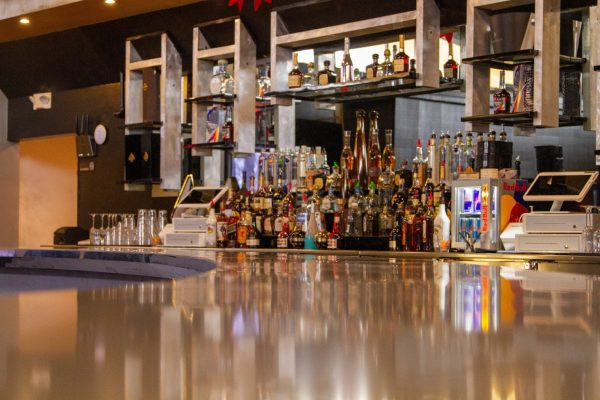 bar counter and liquor at Stateum Nights, Night club in Mt Clemens, MI