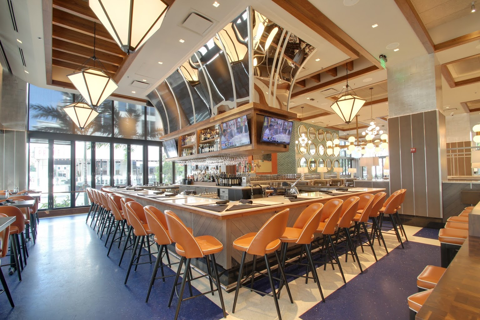 bar seating at Del Frisco's Grille Steak house in Fort Lauderdale, FL